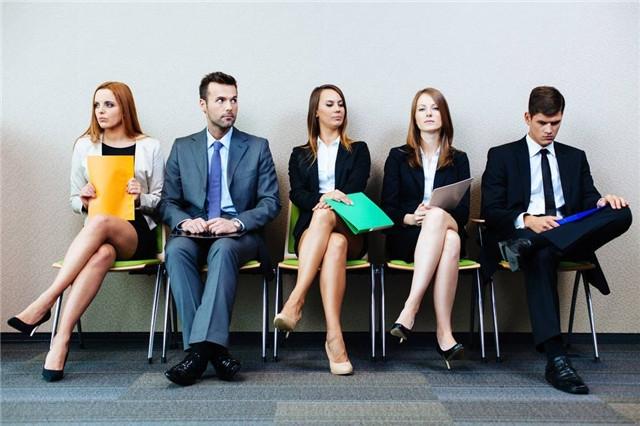 当HR让我回去等通知时,我该做点什么?
